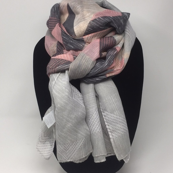 west loop Accessories - West Loop Scarf 🧣 Nwot